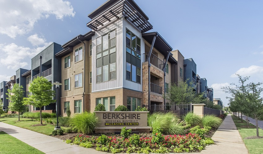 Exterior view of our Dallas apartments
