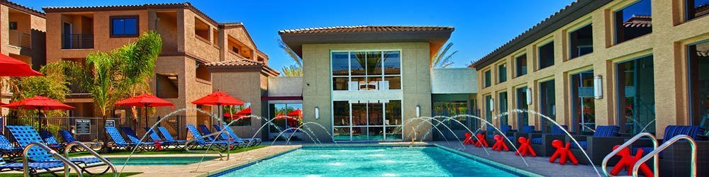 Apartments in Phoenix with a swimming pool