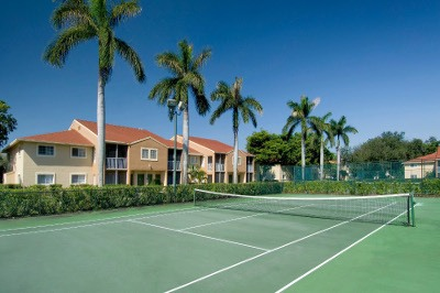 Tennis court at apartments for rent at Azalea Village.