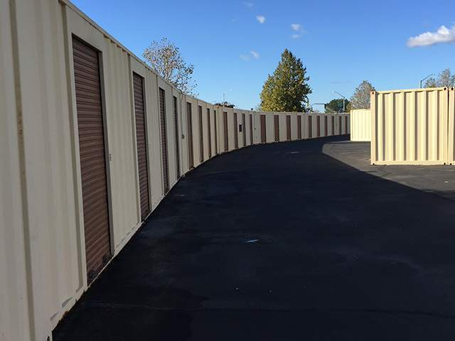 Storage Sacramento Mini Self Storgae In Has Wide Driveways