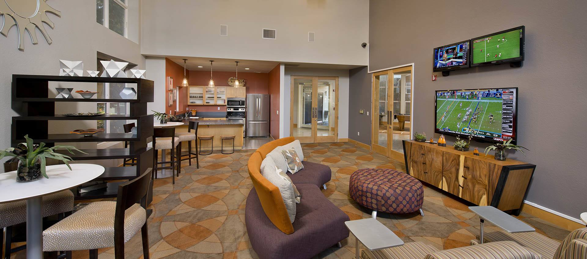 Resident's Clubhouse with Kitchen at Center Pointe Apartment Homes in Beaverton
