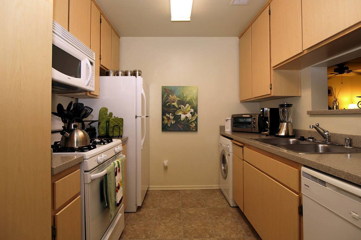 Standard Kitchen Features at Cypress Villas Apartment Homes