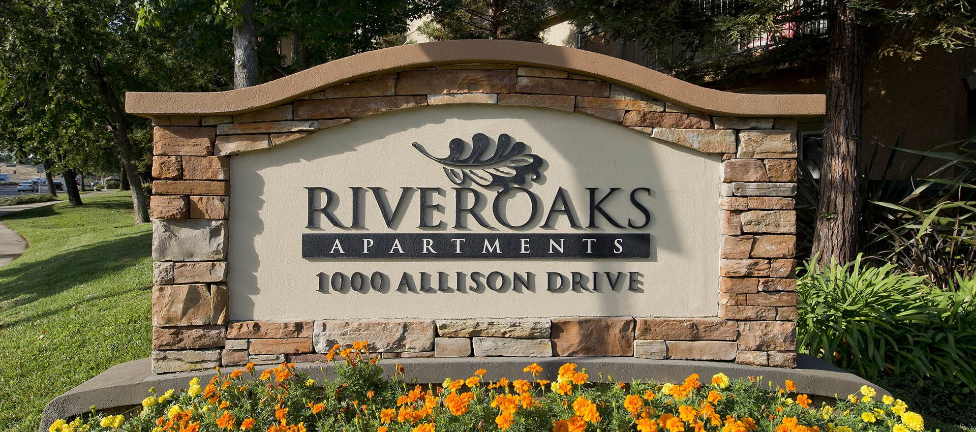 Signage at River Oaks Apartment Homes in Vacaville
