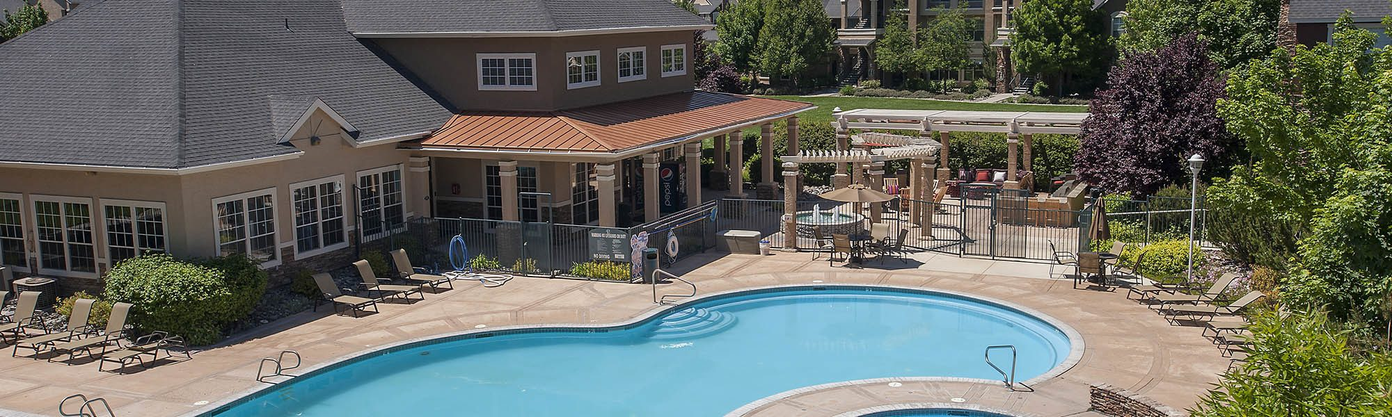 Read reviews of The Vintage at South Meadows Condominium Rentals on our website